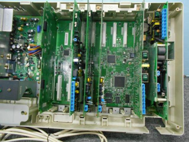 バス配線あるいはスター配線によって主装置内に設置するユニットが変わります